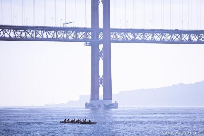 Sous le pont du 25 avril, Lisbonne, décembre 2012.