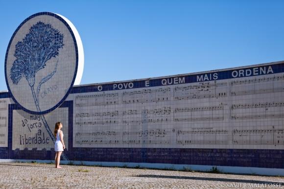 Mur de Grândola en hommage à la chanson de Zeca Afonso, pour les 25 ans de la Révolution des œillets